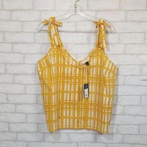 Universal thread Sleevless blouse  size Xl